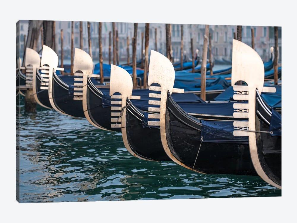 Ferro Di Gondola.Gondolas With Ferro Di Prua Ornament Canvas Artwork By Jan Becke Icanvas