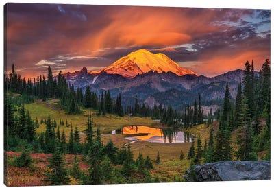 USA, Washington State, Mt. Rainier National Park at sunrise. Canvas Art Print