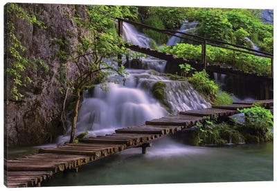 Croatia, Plitvice Lakes National Park. Scenic Of Waterfall And Wooden Walkway. Canvas Art Print