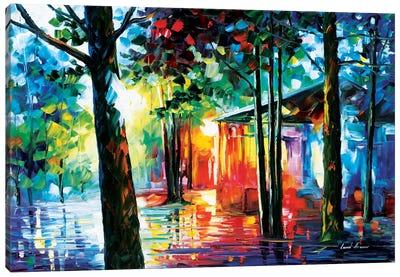 Sunlight In The Drops Canvas Print #LEA85