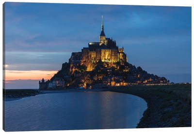 Le Mont-Saint-Michel Canvas Art Print