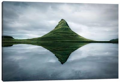 Kirkjufell The Meditation Place - Canvas Art Print