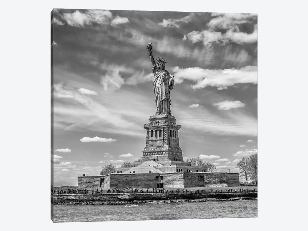 NYC Statue Of Liberty by Melanie Viola 1-piece Canvas Artwork