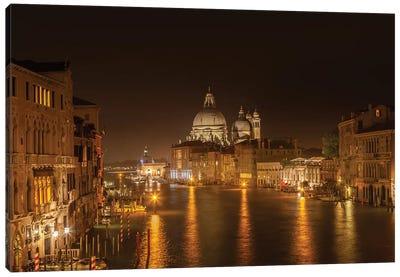 Venice Canal Grande With Santa Maria Della Salute Canvas Art Print