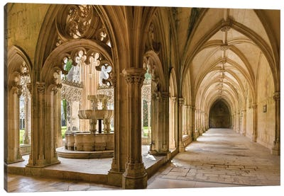 The fountain and water basin in the Claustro Real, royal cloister. Monastery of Batalha, Portugal  Canvas Art Print
