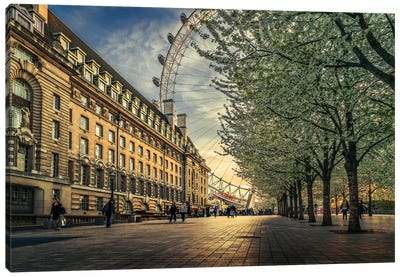 Last Daylights At The London Eye Canvas Art Print