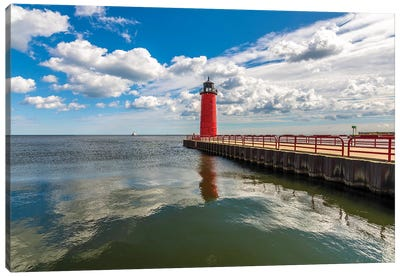 Milwaukee Pierhead Lighthouse Canvas Art Print
