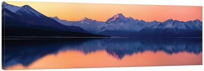 Mount Cook, New Zealand Canvas Art Print