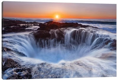 Thor's Well, Cape Perpetua, Siuslaw National Forest, Lincoln County, Oregon, USA Canvas Art Print