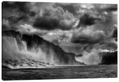 Maid Of The Mist Canvas Art Print