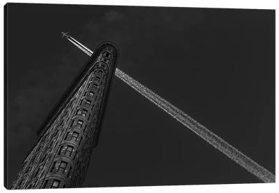 New York - Flatiron Crossing Canvas Art Print