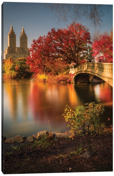 Fall In Central Park Canvas Art Print