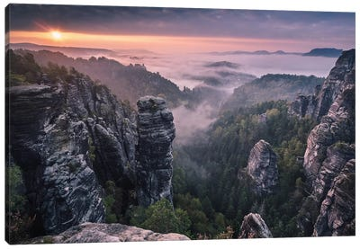 Sunrise On The Rocks Canvas Art Print