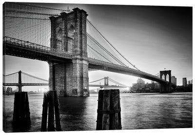 Brooklyn Bridge - Sunrise Canvas Art Print