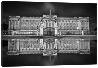 Buckingham Reflection Canvas Art Print
