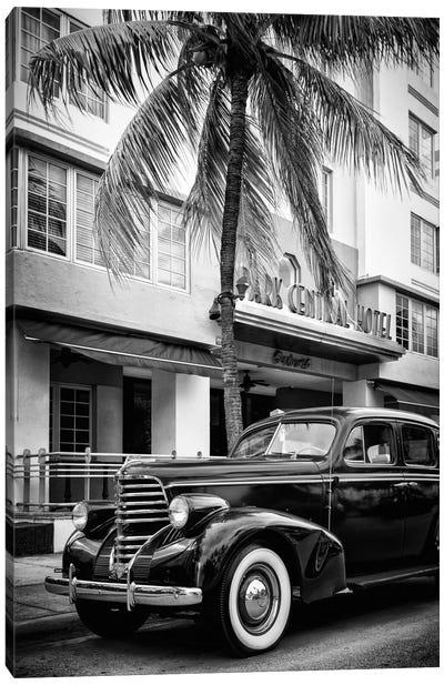 Vintage Car & Art Deco District Canvas Art Print