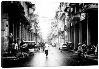 Old Havana Street in B&W Canvas Art Print
