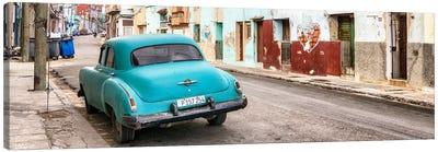 Turquoise Classic Car in Havana Canvas Art Print