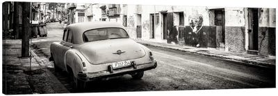 Classic Car in Havana in B&W Canvas Art Print