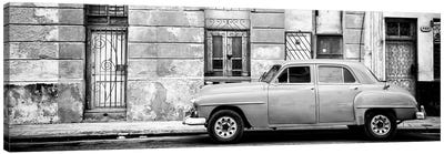 Vintage American Car in Havana in B&W Canvas Art Print