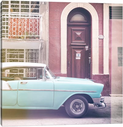 Classic Car in Havana Canvas Art Print
