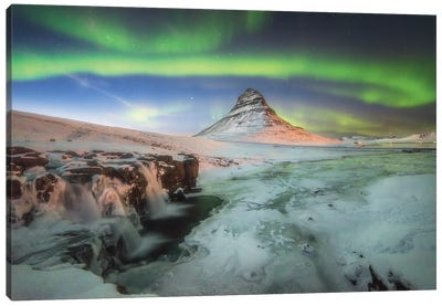 Kirkjufell Iceland Green Aurora Wall Art Canvas Art Print