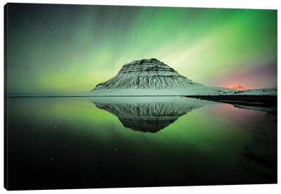 Kirkjufell Profile View In Iceland Aurora Wall Art Canvas Art Print