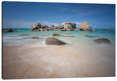 Brignogan Beach In Bretagne Canvas Art Print