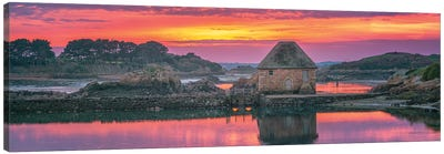 Pink Sunset In Brittany Canvas Art Print