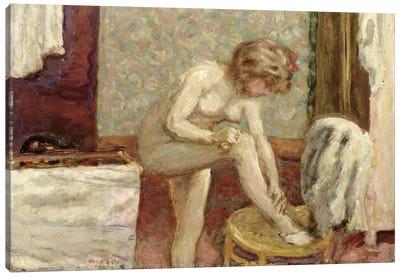 In The Washroom, 1907 Canvas Art Print