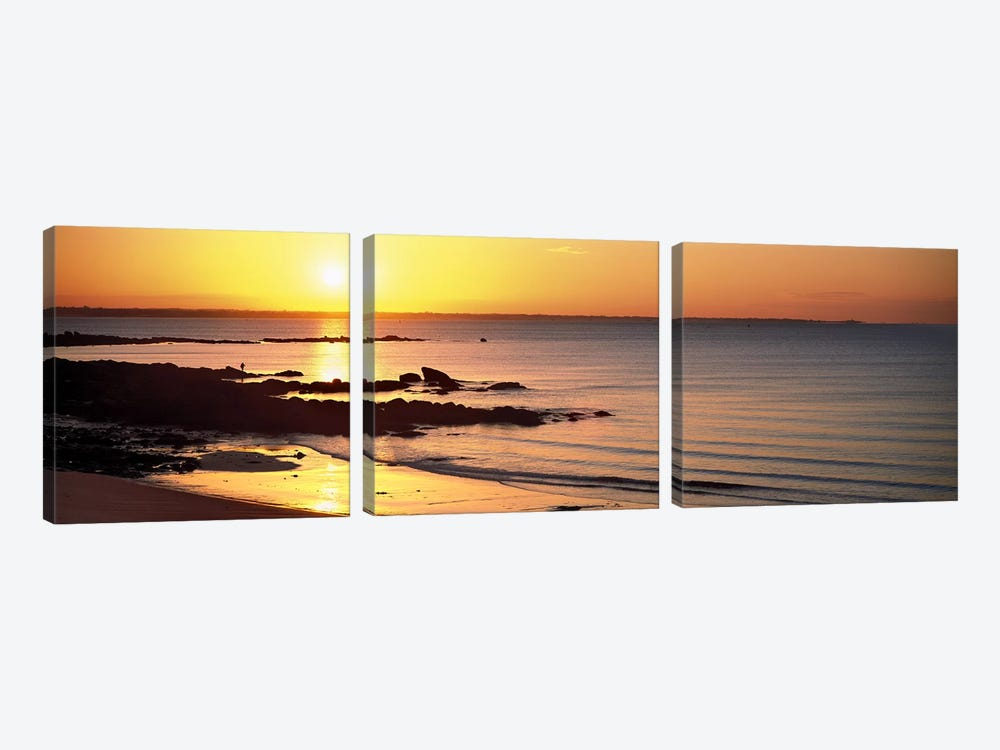 Sunrise over the beach, Beg Meil, Finistere, Brittany, France by Panoramic Images 3-piece Canvas Art Print