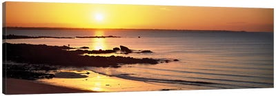 Sunrise over the beach, Beg Meil, Finistere, Brittany, France Canvas Art Print