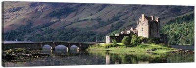 Eilean Donan CastleDornie, Ross-shire, Highlands Region, Scotland Canvas Art Print