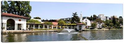 Lake Merritt in Oakland, California, USA Canvas Art Print