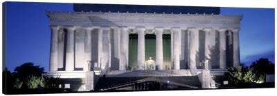 Memorial lit up at night, Lincoln Memorial, Washington DC, USA Canvas Art Print