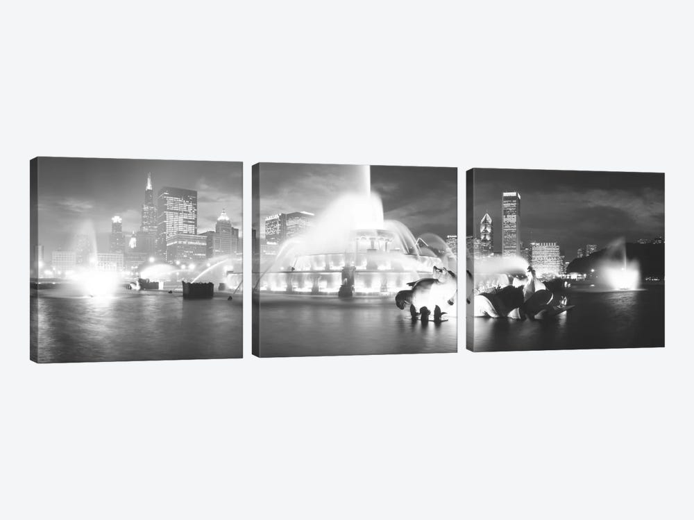 Evening In B&W, Buckingham Fountain, Chicago, Illinois, USA by Panoramic Images 3-piece Canvas Print