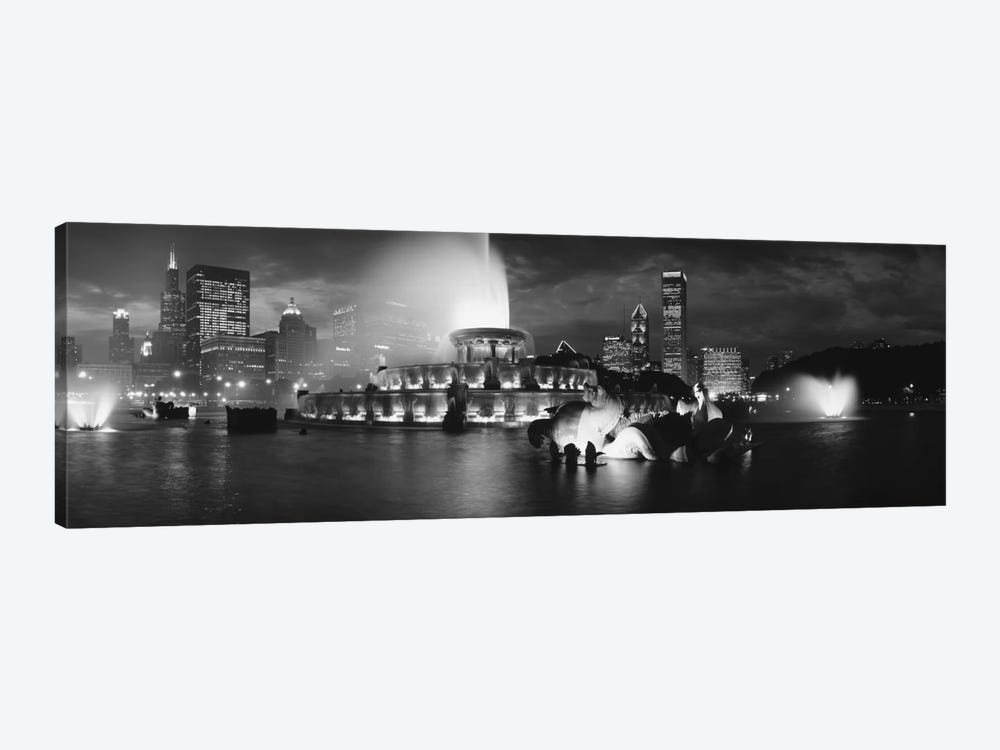 Illuminated Buckingham Fountain In B&W, Grant Park, Chicago, Illinois, USA by Panoramic Images 1-piece Canvas Wall Art
