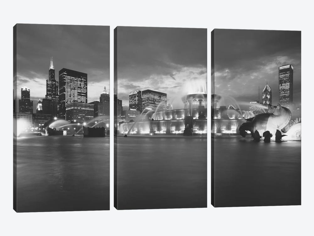 Fountain lit up at dusk, Buckingham Fountain, Grant Park, Chicago, Illinois, USA by Panoramic Images 3-piece Canvas Art Print