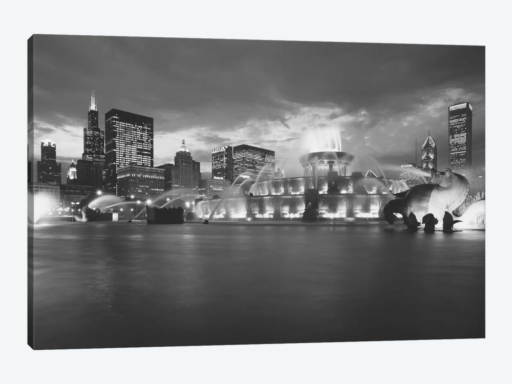 Fountain lit up at dusk, Buckingham Fountain, Grant Park, Chicago, Illinois, USA by Panoramic Images 1-piece Canvas Art Print