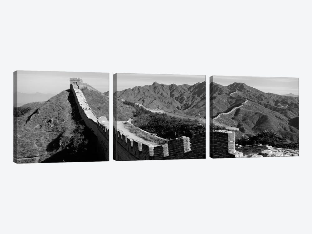 Great Wall of China (black & white) by Panoramic Images 3-piece Canvas Wall Art