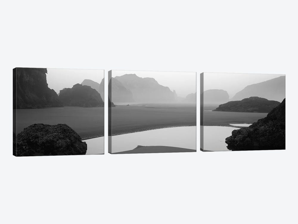 Panoramic view of the ocean, Pacific Ocean, Bandon State Natural Area, Bandon, Oregon, USA by Panoramic Images 3-piece Art Print