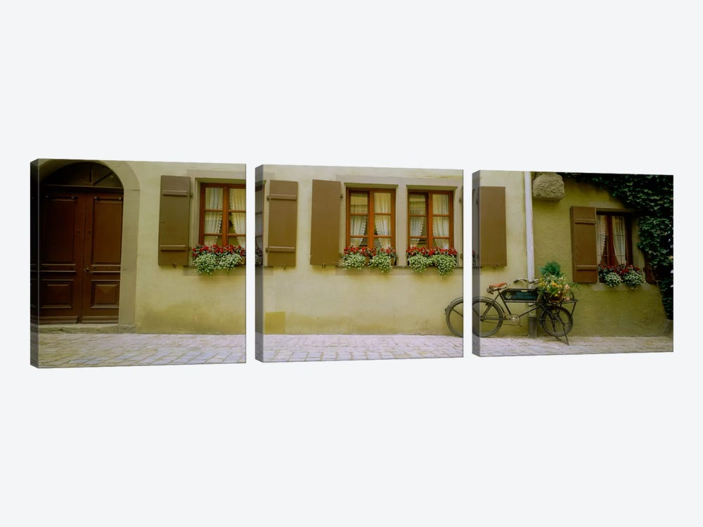 Lone Bicycle, Rothenburg ob der Tauber, Ansbach, Middle Franconia, Bavaria, Germany by Panoramic Images 3-piece Canvas Wall Art
