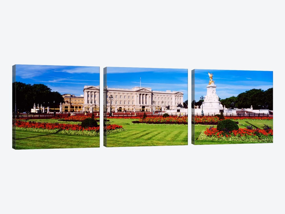 Buckingham Palace, City Of Westminster, London, England, United Kingdom by Panoramic Images 3-piece Art Print