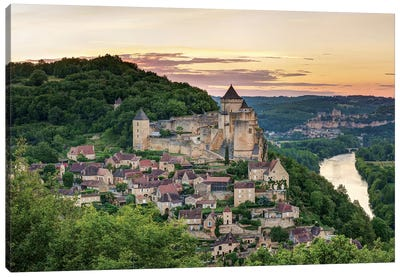 Chateau de Castelnaud, Castelnaud-la-Chapelle, Dordogne, Aquitaine, France Canvas Art Print