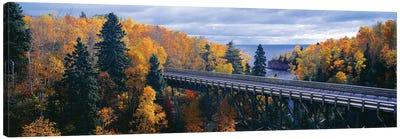 Autumn Landscape, Tettegouche State Park, North Shore of Lake Superior, Lake County, Minnesota, USA Canvas Art Print