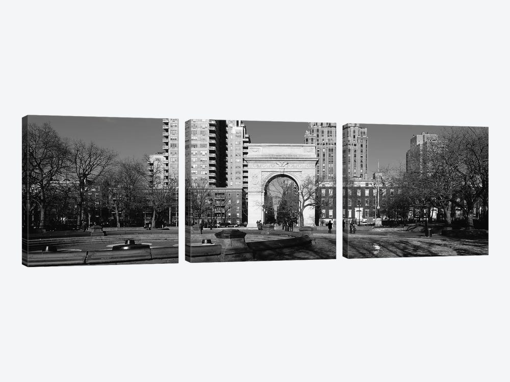 Washington Square Arch, Washington Square Park, Manhattan, New York City, USA by Panoramic Images 3-piece Canvas Art