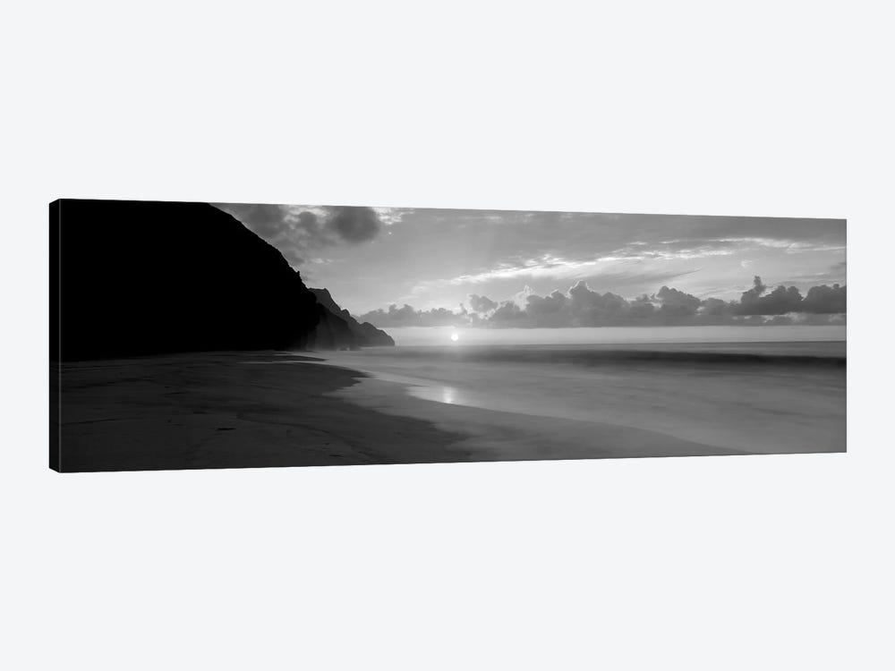 Kalalau Beach Sunset, Na Pali Coast, Hawaii, USA by Panoramic Images 1-piece Canvas Print