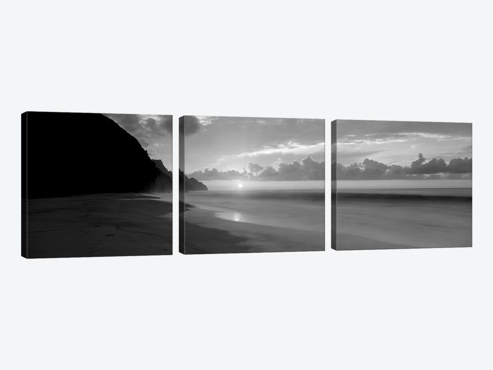 Kalalau Beach Sunset, Na Pali Coast, Hawaii, USA by Panoramic Images 3-piece Canvas Print