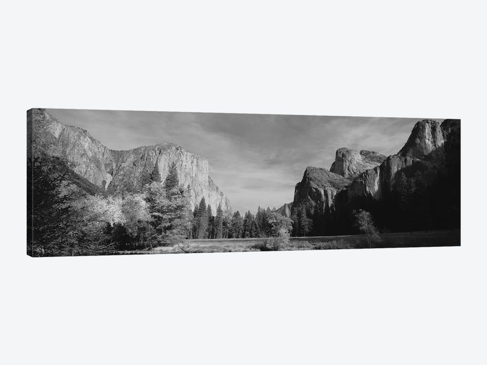 Low-Angle View Of Mountains In A National Park, Yosemite National Park, California, USA by Panoramic Images 1-piece Canvas Artwork