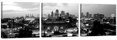 Union Station At Sunset With City Skyline In Background, Kansas City, Missouri, USA Canvas Art Print